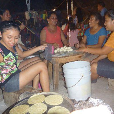 Dzitnup making tortillas